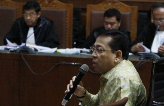Mantan Ketua DPR-RI Setya Novanto mengikuti sidang di Pengadilan Tipikor Jakarta. (foto:antara)