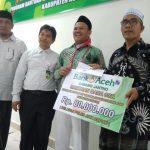 Bupati Aceh Besar Serahkan Bantuan untuk Pimpinan Dayah