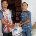Rafli Kande Salurkan Sembako Untuk Yatim di Abdya