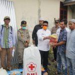 Pemkab Aceh Jaya Serahkan Bantuan Masa Panik Korban Kebakaran