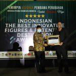 Bupati Aceh Besar Terima Penghargaan Indonesia Innovative Figures Award 2020