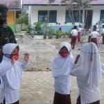 Personel TNI Sosialisasikan Prokes Covid-19 di Sekolah